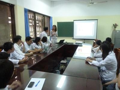 ベトナムでがんばる看護師インターンたち