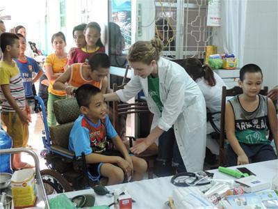 ベトナムの病院で看護師の海外医療インターンシップ