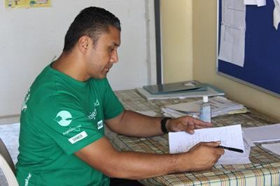 サモアの地域コミュニティーからのアンケート結果を考察する栄養管理プロジェクトのインターン