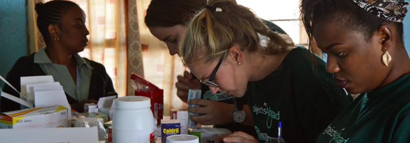 発展途上国で医療国際協力 薬剤師インターンシップの医療アウトリーチ活動
