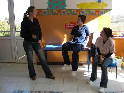 海外インターンシップ ルーマニアで活動する理学療法士インターンたち