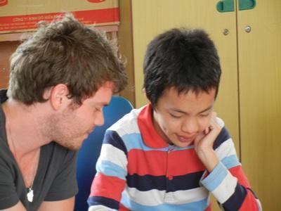 ベトナム、言語療法プロジェクト、クリニックで子どもと活動するプロジェクトアブロードボランティア