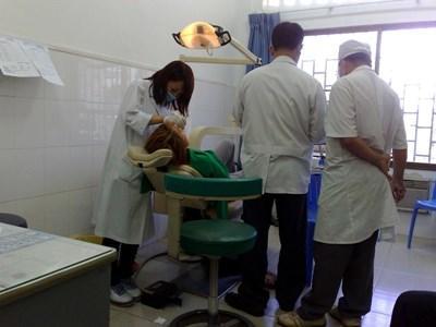 カンボジアで海外ボランティア プロ歯科医師