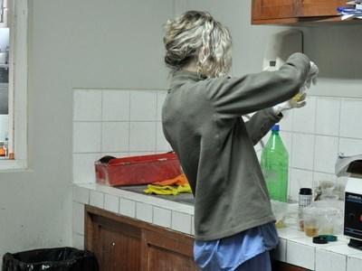 Professional nutrition volunteer working on site in Peru