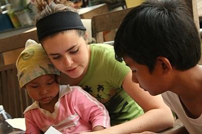 Professional Occupational therapist volunteering in Cambodia