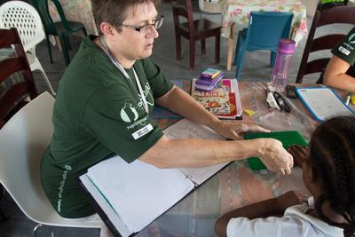基礎学力指導教師としてベリーズの子供に読み書きを教えるプロ・専門家の海外ボランティア