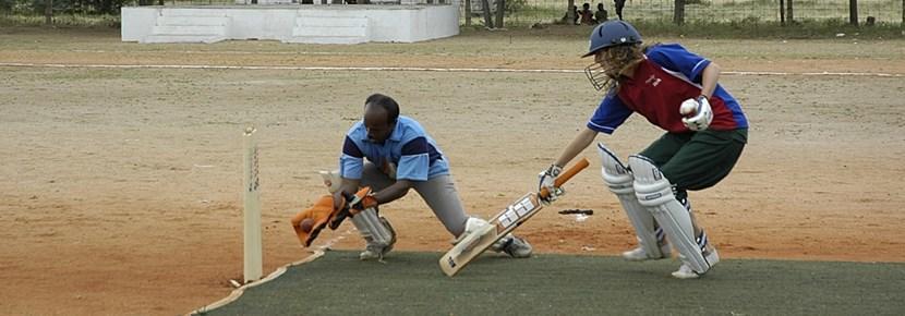 トーゴ、スポーツプロジェクト、クリケットを教えるギャップイヤーボランティア