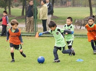 ちゅごく、サッカークラブを率いるプロジェクトアブロードボランティア