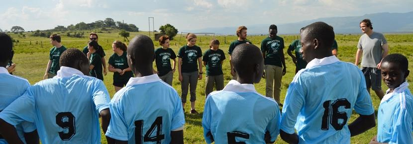 発展途上国で体育を教える海外ボランティア