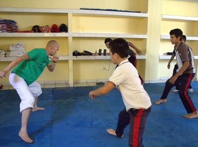 メキシコ、学校のクラブでコーチをするプロジェクトアブロードボランティア