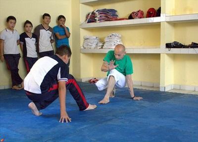 メキシコ、スポーツプロジェクト、デモンストレーションをするプロジェクトアブロードボランティア