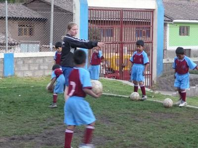 Volunteer Teaching School Sports in Peru with Projects Abroad