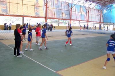 ボリビア、バレーボールを教えるプロジェクトアブロードボランティア