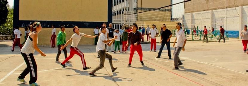 スポーツプロジェクト、バレーボールを教えるプロジェクトアブロードボランティア