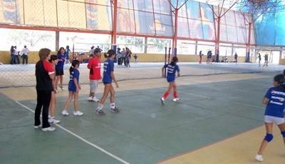 バレーボールを教えるプロジェクトアブロードボランティア
