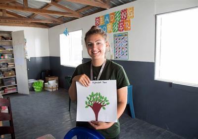 ベリーズで英語教材を作成する教育ボランティア