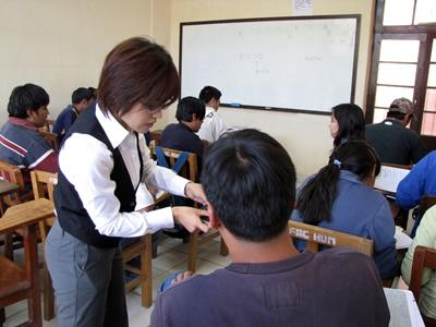 Volunteer teaching overseas