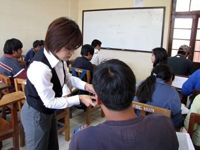 Volunteer teaching overseas