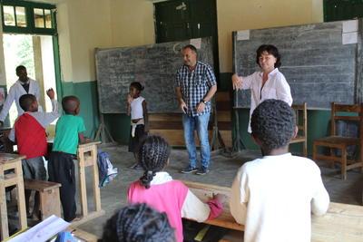 マダガスカルで教育の海外ボランティア 小学校で英語を教えるボランティア先生