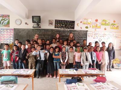 モロッコの学校で英語教育に貢献する海外ボランティア