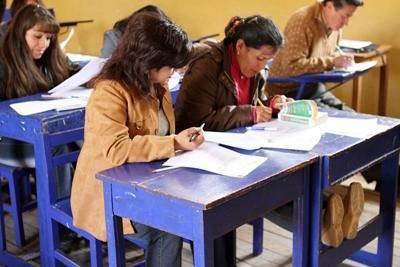 ペルーで海外ボランティア 現地の英語教師に英語を教える教師トレーニング