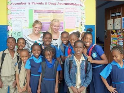 カリブ海、ジャマイカ、教育プロジェクト、教室でのプロジェクトアブロードボランティア