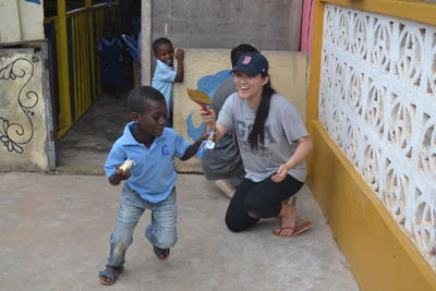 冬休み海外ボランティア ガーナで子供のケア&コミュニティ奉仕活動