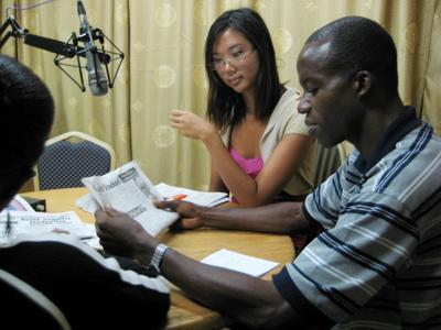 夏休みに、ガーナのラジオ局で働くジャーナリズムの海外インターンシップ