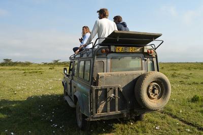 社会人の夏休み海外ボランティア ケニアの大自然サバンナで環境保護活動に貢献