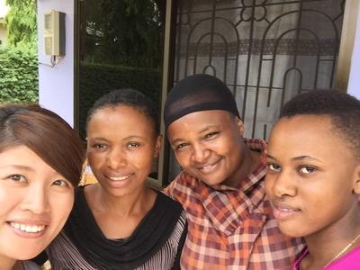 現地の女性たちと出会うことができた教育ボランティア