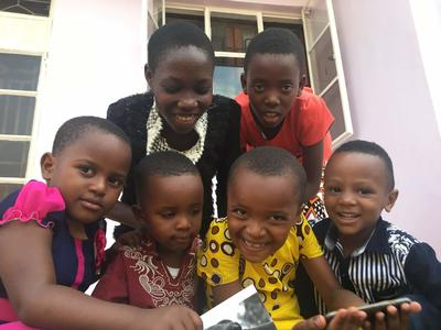 毎日生きる元気を与えてくれたタンザニアの無邪気な子どもたち