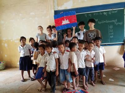 ケア&コミュニティプロジェクトで触れ合ったカンボジアの子供たち