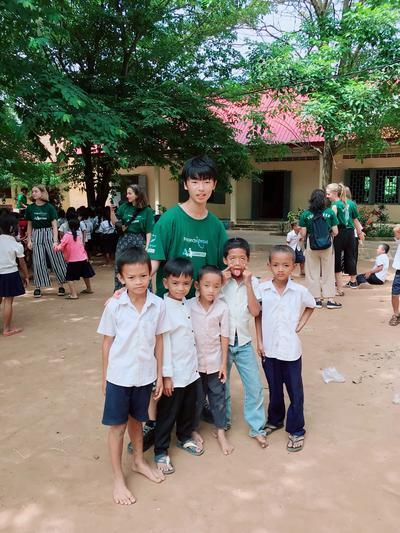 週間で多くの高校生とボランティアを行ったカンボジアでの活動