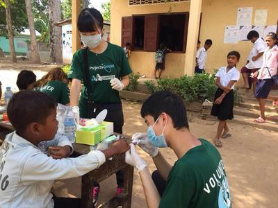 高校生スペシャルプロジェクトで行ったカンボジアの子ども達への公衆衛生活動