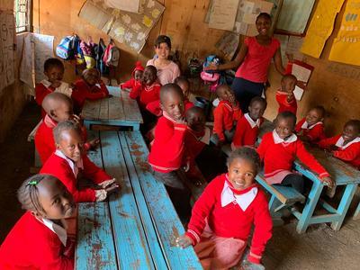 2週間のケアプロジェクトを通じて全力で向き合ったケニアの子ども達と彼らが抱える問題