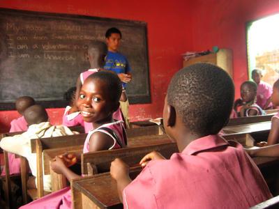 アフリカの学校で英語教育に貢献する海外ボランティアに参加しよう